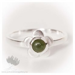 Ring Manuka Flower w Jade